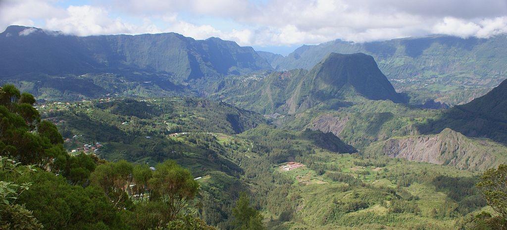 Vue du cirque de Salazie sur l'île de La Réunion.