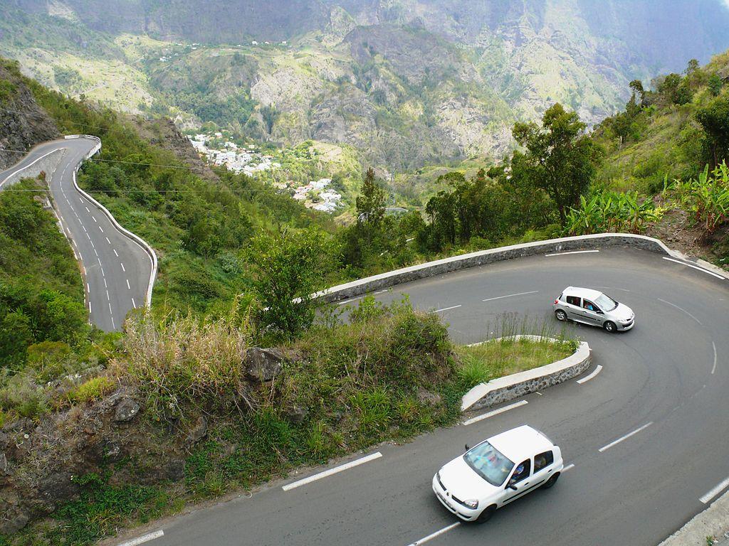 Quelques épingles sur la route de Cilaos à La Réunion