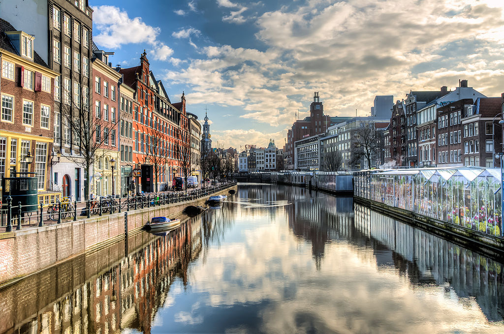 1024px-Amsterdam_-_the_Canal_Ring_(8652262148)