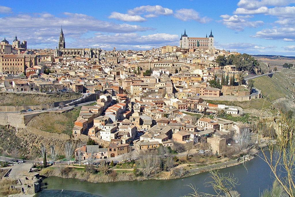 1024px-Vista_general_de_Toledo_(España)_01